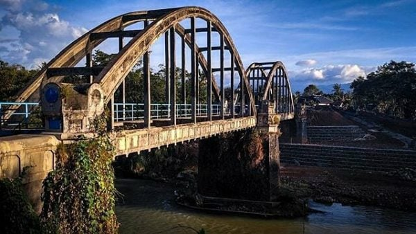 Jembatan Lengkung Pekalongan