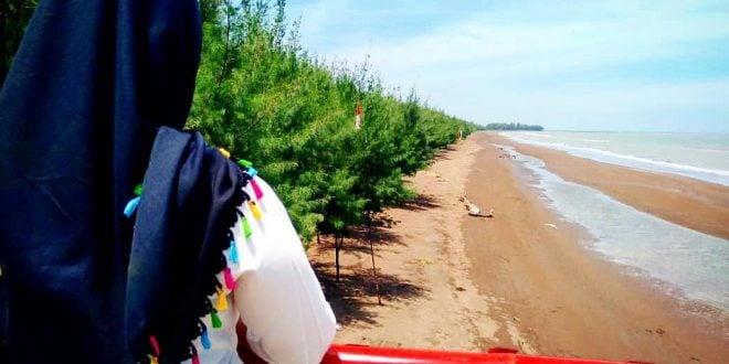 Wisata Pantai Wonokerto Pekalongan - by dhw125