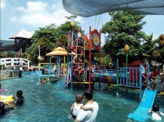 Kolam Renang BRD Dream Big Park