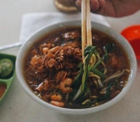 Mie Kangkung Jakung