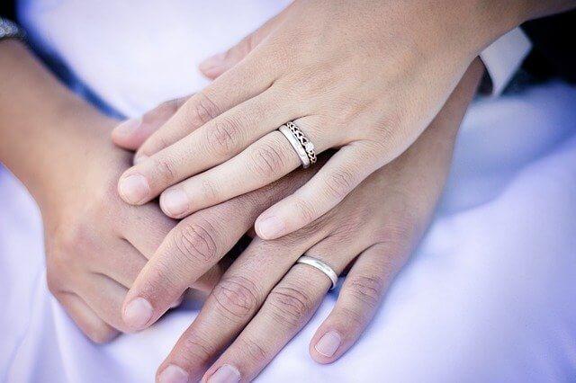 Laki-laki akan menjadi suami