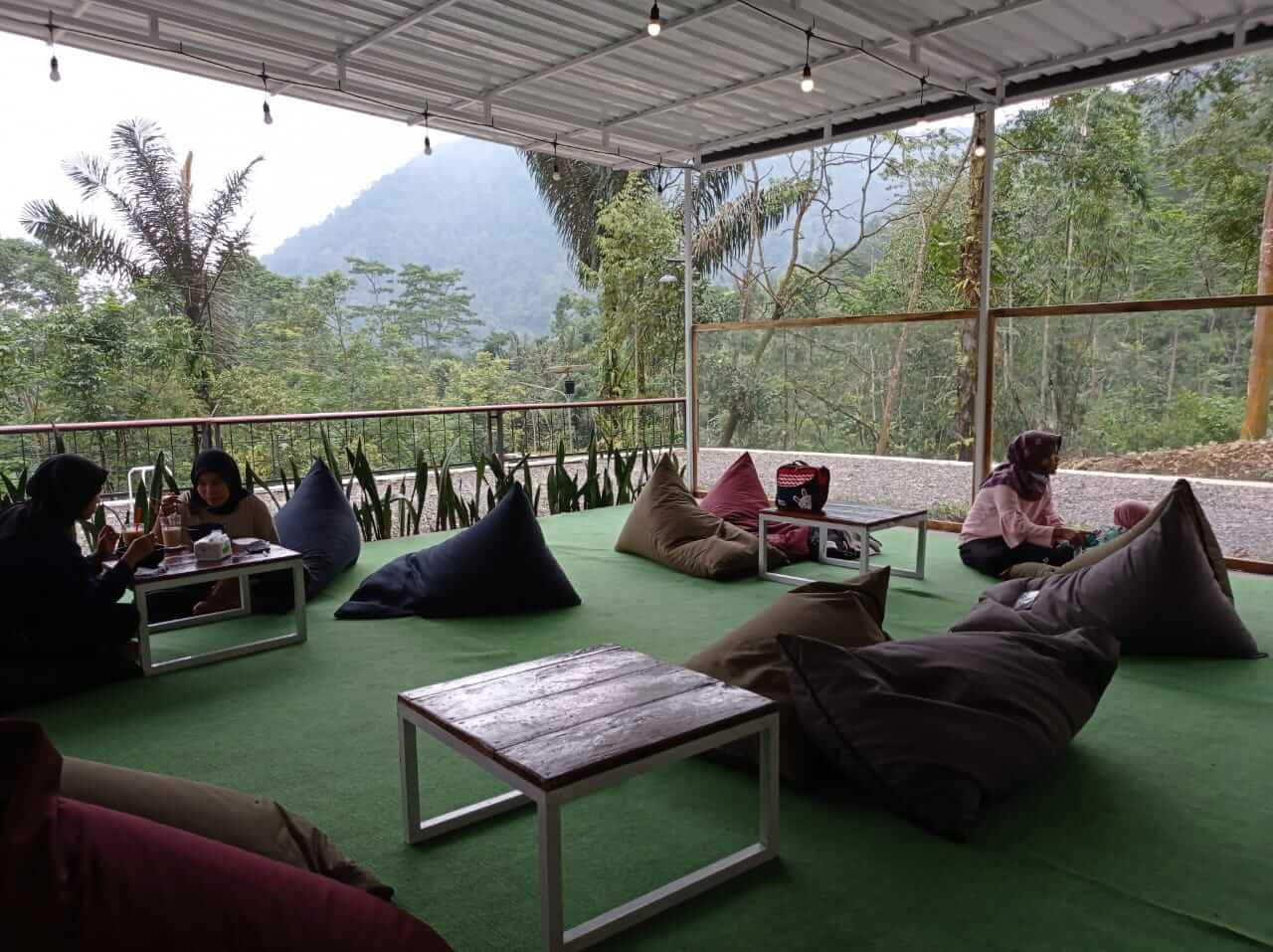 Kafe Kayoe Coffee and Barn Petungkriyono