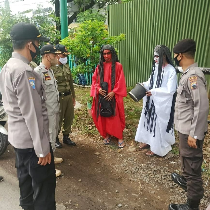Viral Kuntilanak ditangkap Satpol PP