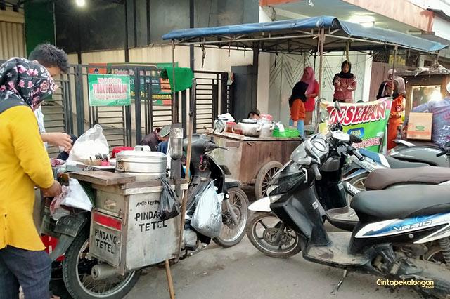 Penjual Nasi Megono dan Pindang Tetel