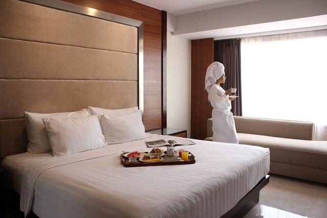 staycation di hotel santika