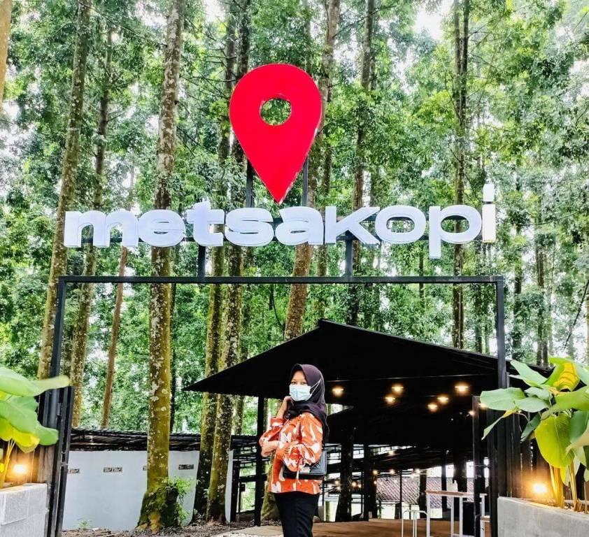 Kafe Hits Metsa Kopi Kembanglangit